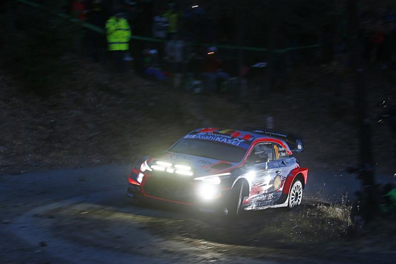 Neuville leads opening night at Monte Carlo