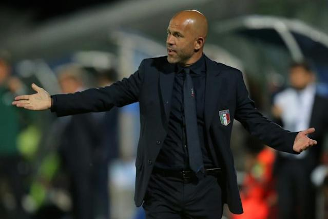 Italy's coach Luigi Di Biagio gestures during the U21 international friendly football match against France June 2, 2016