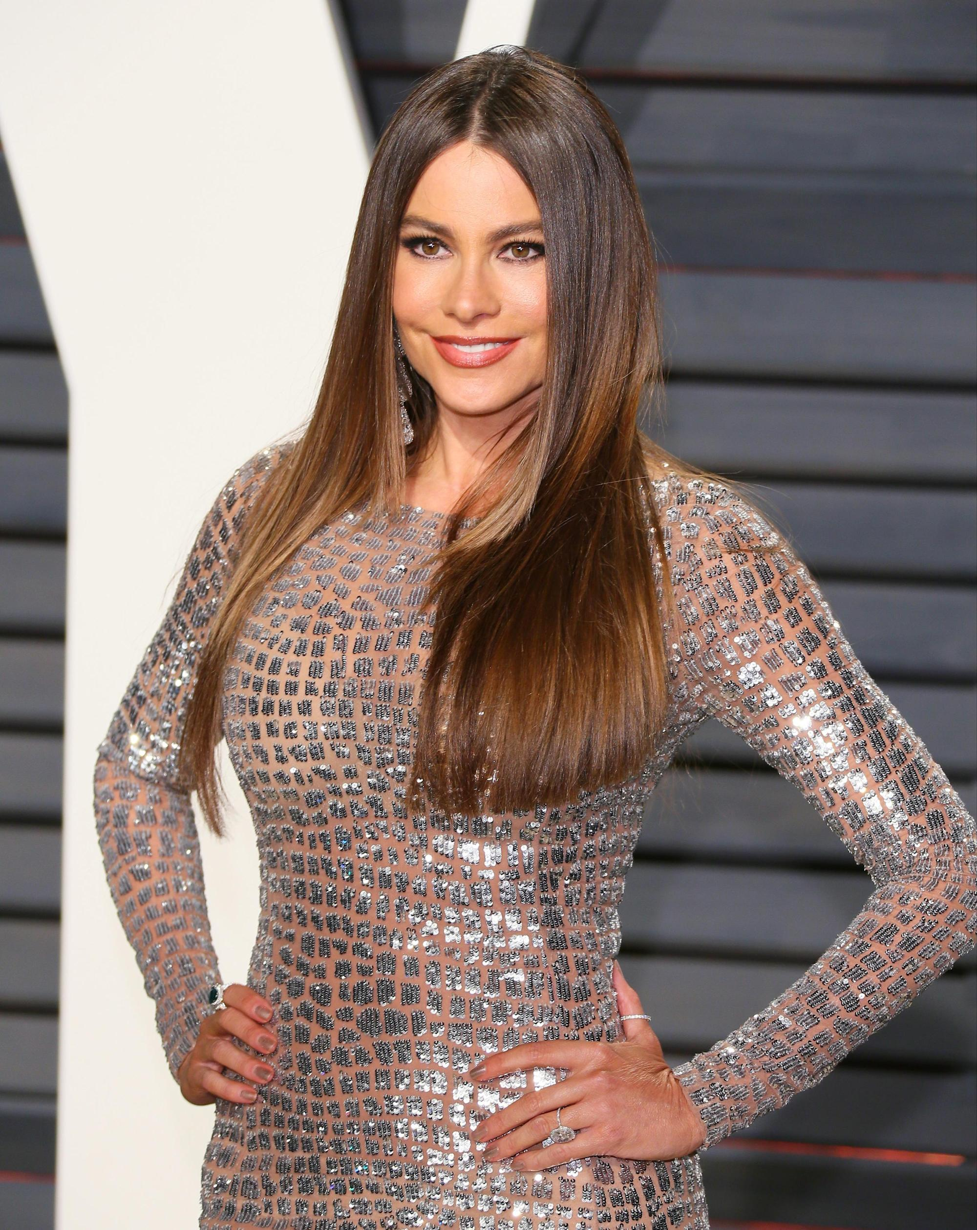 Sofia Vergara, 45, poses COMPLETELY NAKED and flaunts