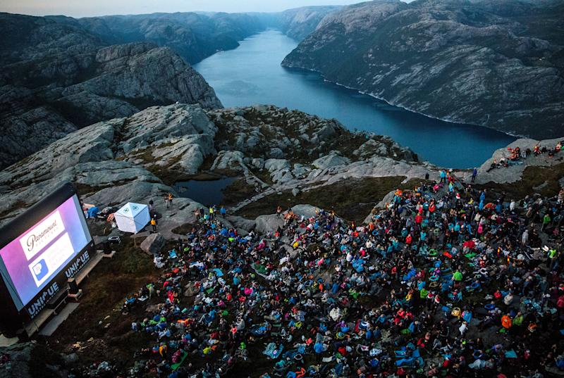 Death-defying mountain top screening for 'Mission