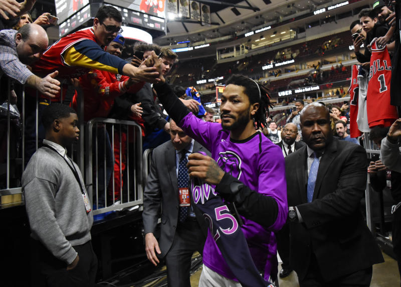 62fb4a3d504d Derrick Rose s big game against the Bulls saw him showered with love on his  former home court. (AP)