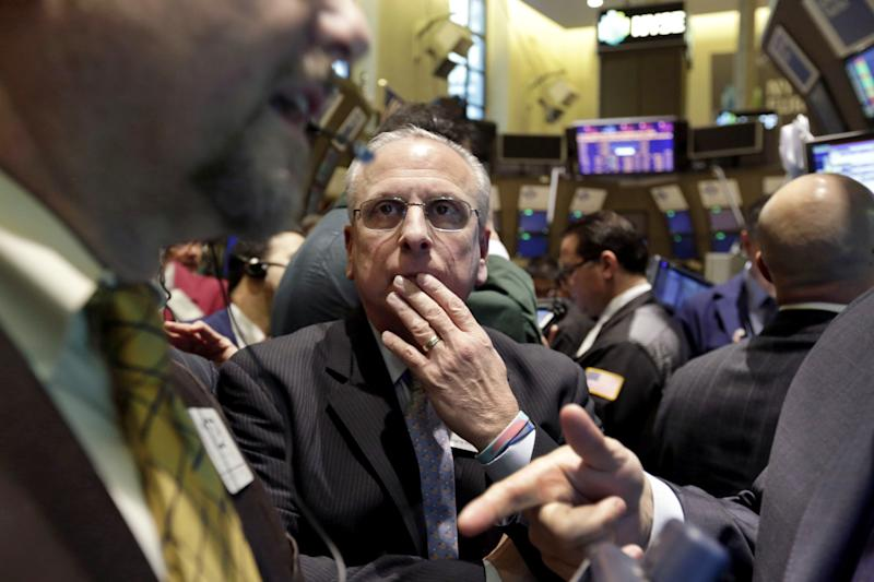 Stocks fall as sides snipe in 'cliff' talks