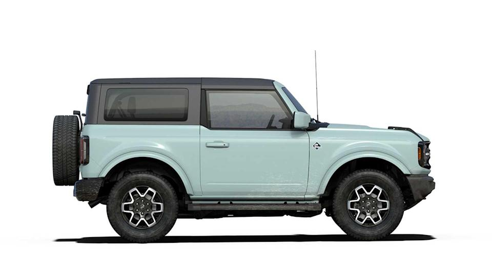2021 Ford Bronco Outer Banks in Cactus Gray