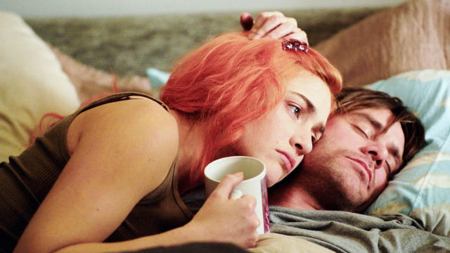 Kate Winslet and Jim Carrey in 'Eternal Sunshine of the Spotless Mind'. (Credit: Focus Features)