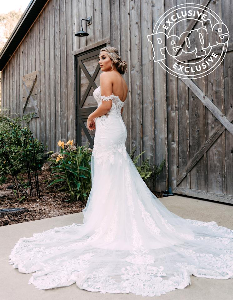 "Barrett wore a gown by <a href=""https://www.instagram.com/martinalianabridal/?hl=en"">Martina Liana</a> for the ceremony and reception, and she said she didn't have to try on ""too many"" dresses before landing on the perfect one.  ""I was fortunate to find one pretty quickly, and I absolutely LOVE it,"" ""The Good Ones"" singer said."