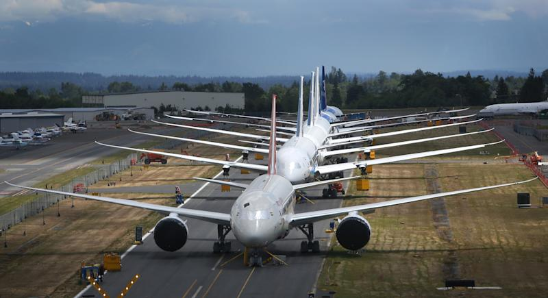 FAA: Boeing 787 diverted over low oil indicator
