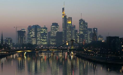 German growth slows slightly in second quarter