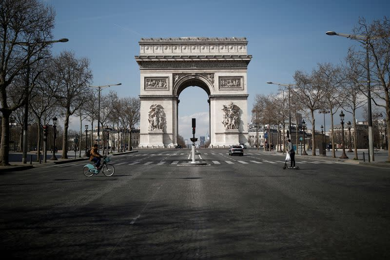 FILE PHOTO: Lockdown imposed to slow the spreading of the coronavirus disease (COVID-19) in Paris
