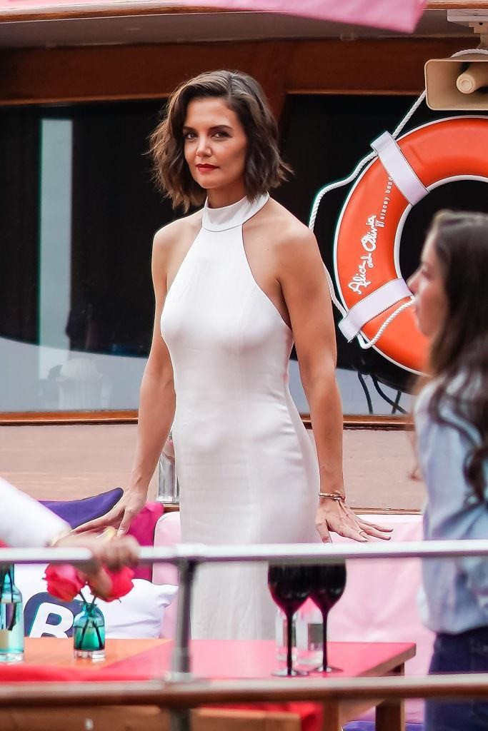 <p>Katie Holmes attends the Alice+Olivia presentation during New York Fashion Week at Pier 59 on September 11, 2018 in New York City. (Photo: Gotham/GC Images) </p>