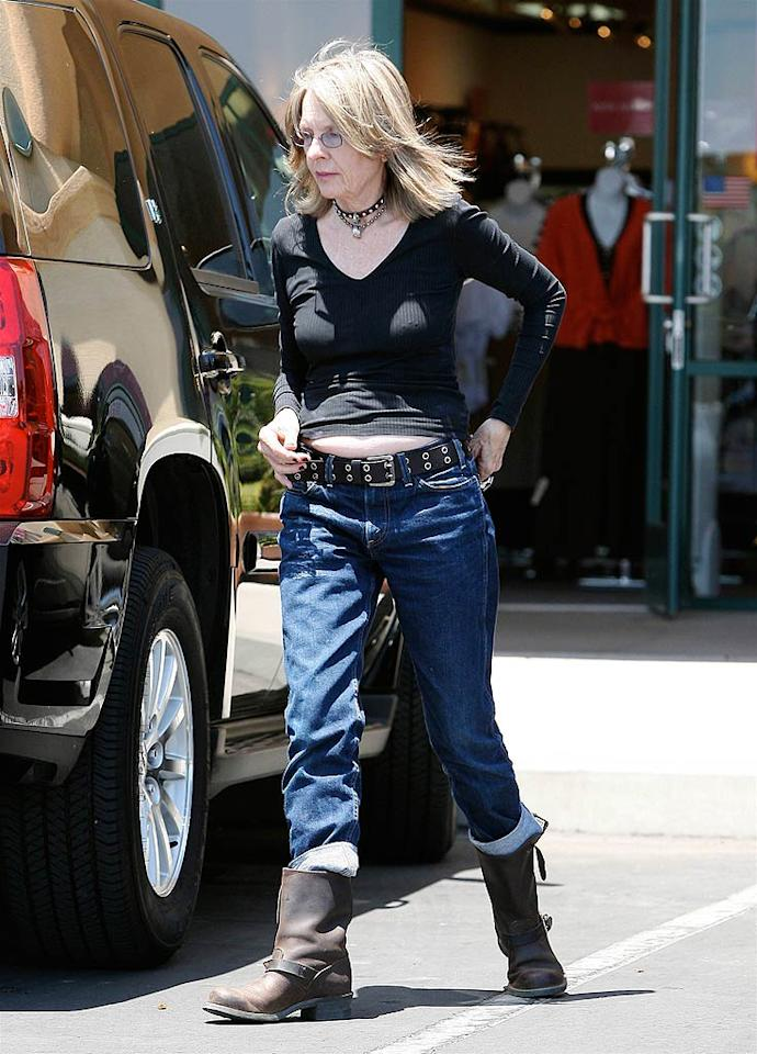 "Dear Diane Keaton, even Britney can't pull off a belly-baring tee. AlphaX/<a href=""http://www.x17online.com"" target=""new"">X17 Online</a> - June 23, 2008"