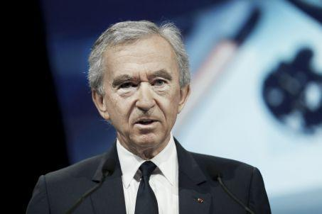 LVMH Group CEO Bernard Arnault delivers a speech during the Viva Technology event dedicated to start-up development, innovation and digital technology, on June 16, 2017, in Paris. (Photo by GEOFFROY VAN DER HASSELT / AFP) - FRANCE-ECONOMY-POLITICS-TECHNOL