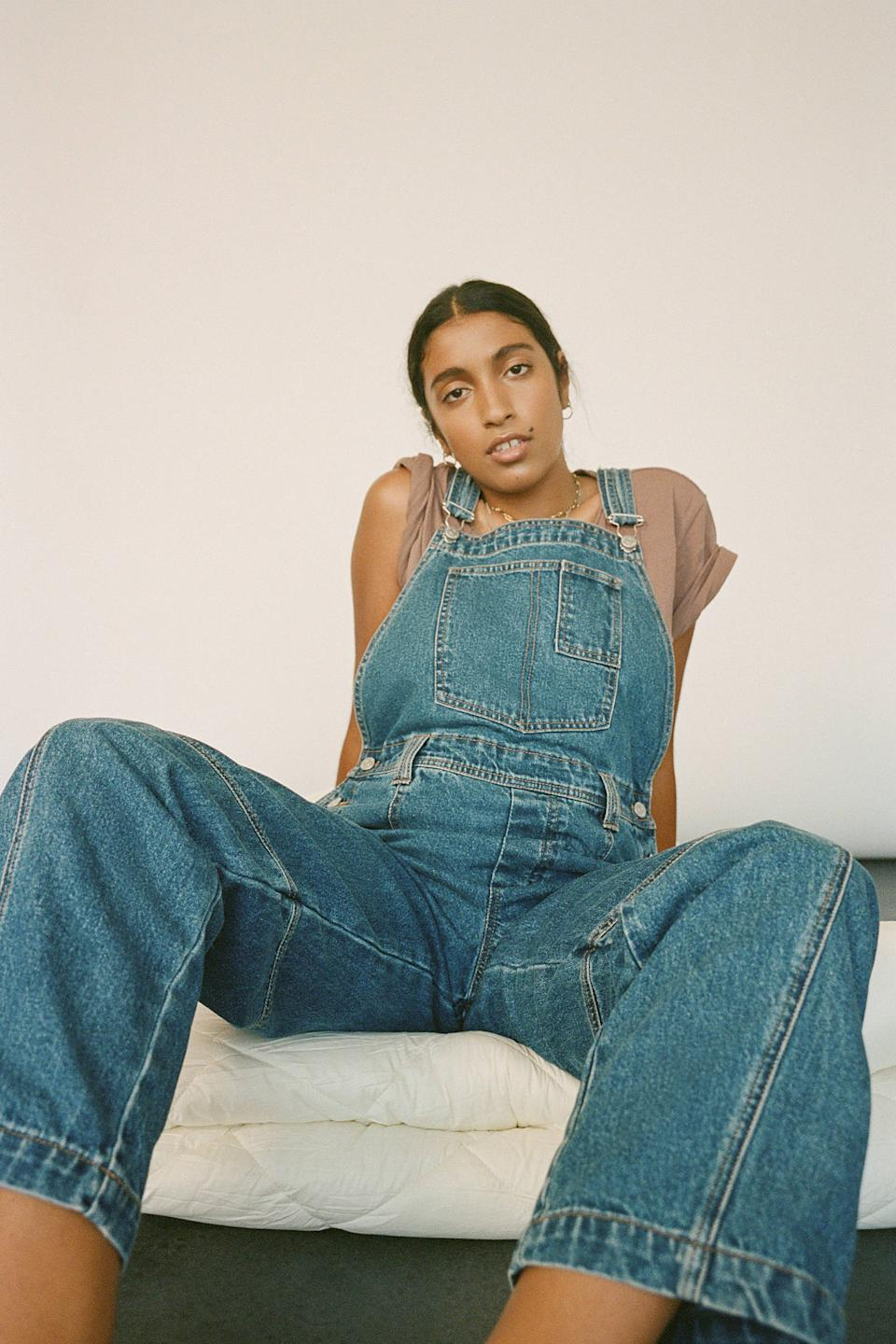 """<br><br><strong>BDG</strong> Baggy Denim Overall, $, available at <a href=""""https://go.skimresources.com/?id=30283X879131&url=https%3A%2F%2Fwww.urbanoutfitters.com%2Fshop%2Fbdg-baggy-denim-overall"""" rel=""""nofollow noopener"""" target=""""_blank"""" data-ylk=""""slk:Urban Outfitters"""" class=""""link rapid-noclick-resp"""">Urban Outfitters</a>"""