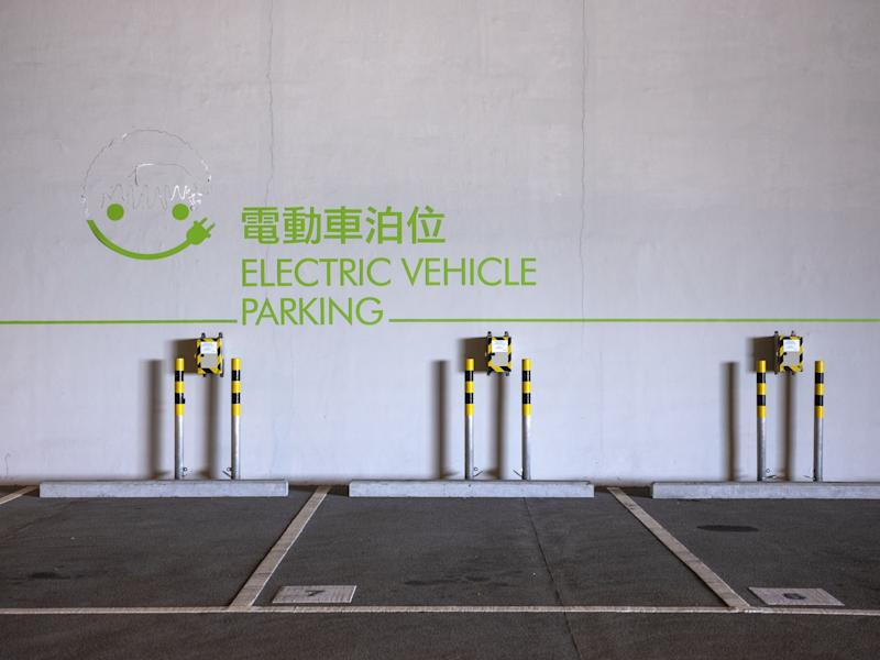 China Considers Cutting Electric-Car Subsidies Again
