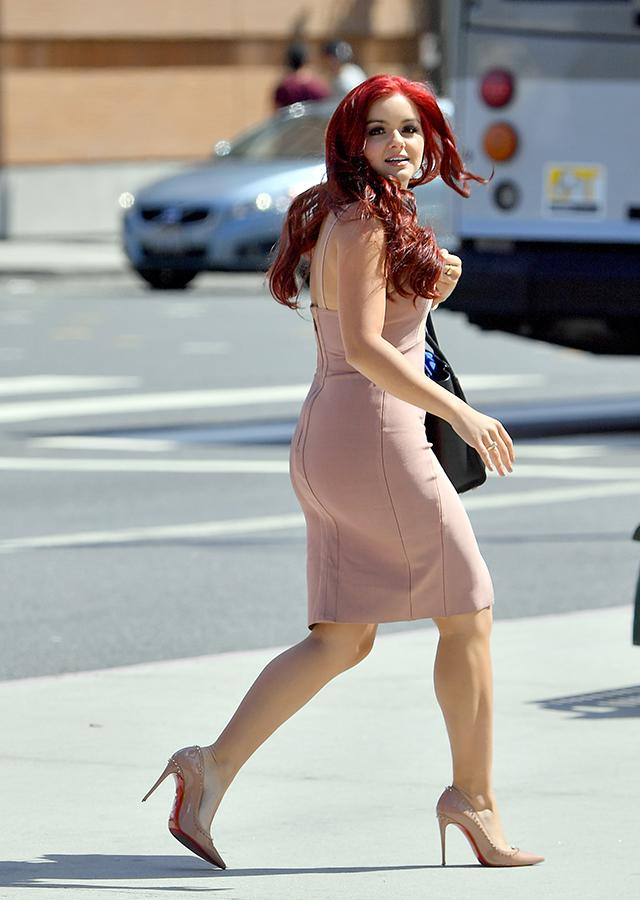 Hunter Day Leaked Pics >> Ariel Winter Graduates High School in Chic Nude Dress: See the Pic!