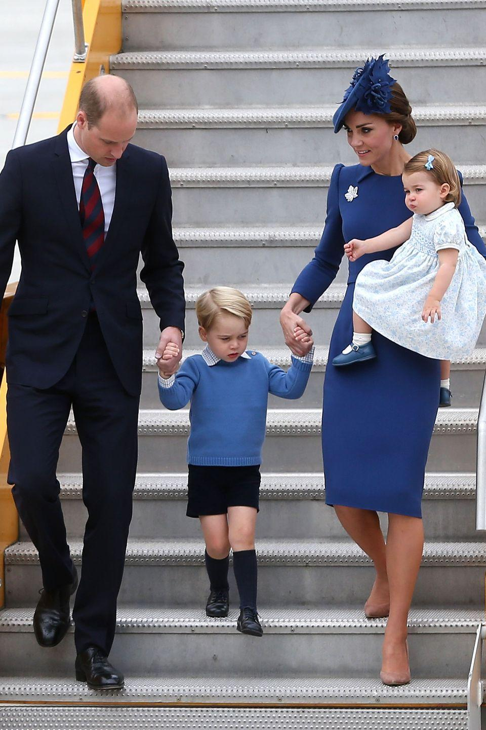 <p>The Duchess and her family arrive in Victoria, Canada in style.</p>