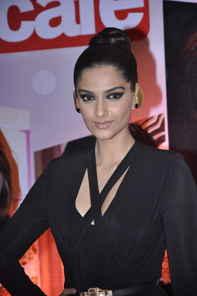 Don't you just love Sonam Kapoor ear cuffs? They super edgy and uber stylish!