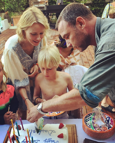 "<p>The proud dad and his amicable ex, Naomi Watts, celebrated together as their son Sasha turned 10. ""Happy Birthday Big Boy!"" Schreiber captioned this pic of the cake cutting. ""Finally hit the double digits!"" (Photo: <a href=""https://www.instagram.com/p/BW_nlKzgggu/?taken-by=lievschreiber"" rel=""nofollow noopener"" target=""_blank"" data-ylk=""slk:Liev Schreiber via Instagram"" class=""link rapid-noclick-resp"">Liev Schreiber via Instagram</a>) </p>"