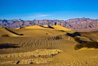 "While the Mojave Desert in the Western United States often has humidity levels up to 50 percent, you'll get just a fraction of that moisture aboard a plane. In fact, according to the <a href=""http://www.who.int/ith/mode_of_travel/chad/en/"" rel=""nofollow noopener"" target=""_blank"" data-ylk=""slk:World Health Organization"" class=""link rapid-noclick-resp"">World Health Organization</a>, the humidity aboard your average aircraft hovers under 20 percent."