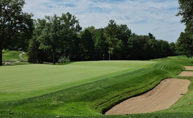 "<div class=""caption""> The Biarritz second hole at St. Louis C.C. </div> <cite class=""credit"">Jon Cavalier</cite>"