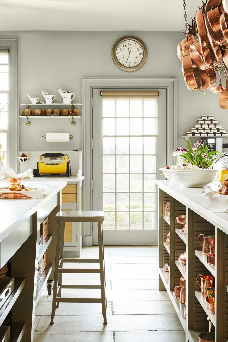 "<p>If there's one person who knows her way around a kitchen, it's <a href=""https://www.countryliving.com/home-design/house-tours/g23489226/martha-stewart-kitchen/"" rel=""nofollow noopener"" target=""_blank"" data-ylk=""slk:Martha Stewart"" class=""link rapid-noclick-resp"">Martha Stewart</a>. Her <a href=""https://www.countryliving.com/home-design/decorating-ideas/g4263/rustic-farmhouse-kitchen-ideas/"" rel=""nofollow noopener"" target=""_blank"" data-ylk=""slk:cooking area"" class=""link rapid-noclick-resp"">cooking area</a> features copper pots and pans with an impressive collection of matching servingware.</p><p><a class=""link rapid-noclick-resp"" href=""https://fave.co/2M6HFm7"" rel=""nofollow noopener"" target=""_blank"" data-ylk=""slk:SHOP COPPER COOKWARE"">SHOP COPPER COOKWARE</a></p>"