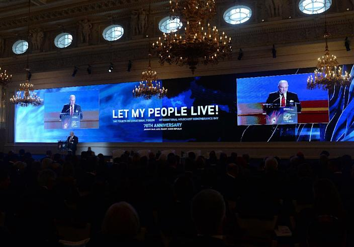 Moshe Kantor, head of the European Jewish Congress, delivers his speech at the Fourth International Forum on January 26, 2015 in Prague, Czech Republic (AFP Photo/Michal Cizek)