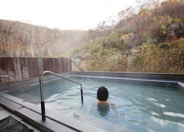▲It made me feel as though I was in a secret hot spring deep in the mountains! After soaking for a while, my skin felt smooth.