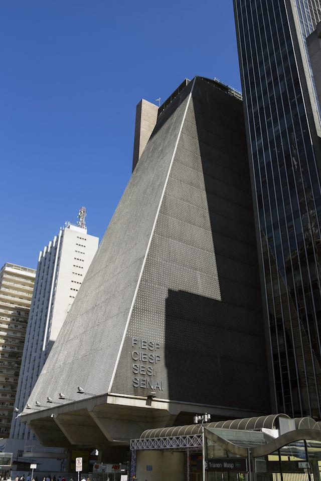São Paulo's Federation of Industries of the State handles the many issues of Brazil's trade unions. The building is among the tallest in the area. It was built by the Brazilian architect Rino Levi in 1979, creating a distinct lower half that cantilevers over the sidewalk. Standing 99 feet high, it is one of the largest buildings in the immediate area.