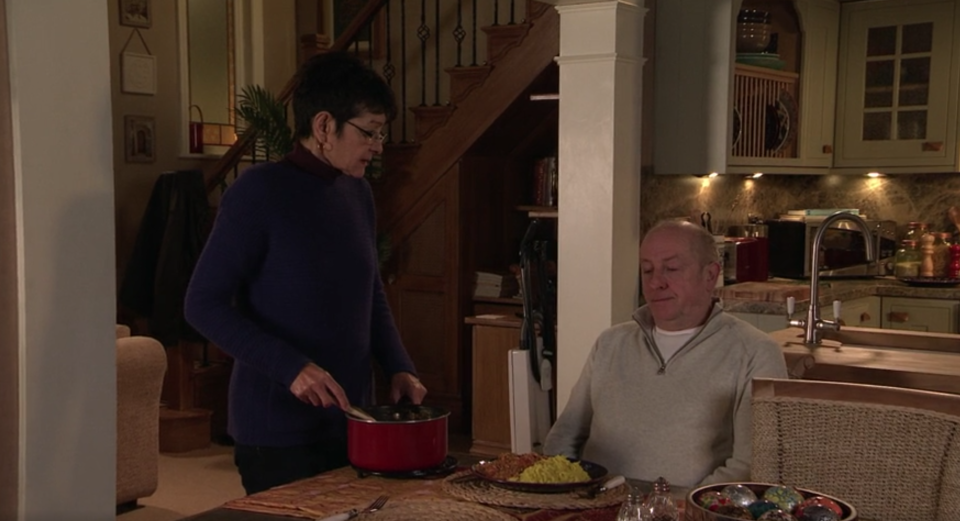 Yasmeen and Geoff argue over food in Coronation Street