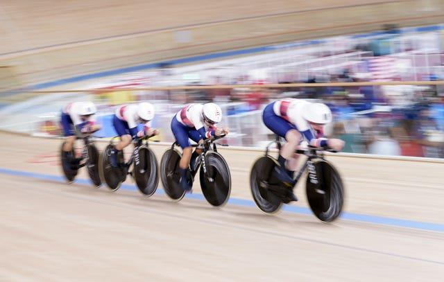Katie Archibald, Laura Kenny, Neah Evans and Josie Knight in action
