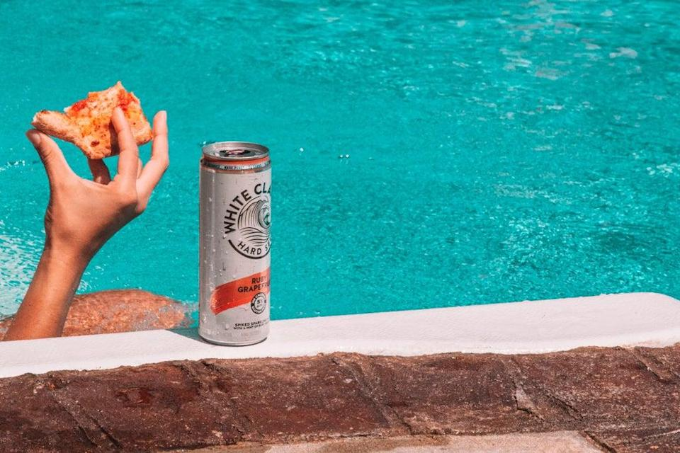 (Hard Seltzers: the drink of the summer)