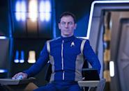 "So spielte Jason Isaacs 2017 in ""Star Trek: Discovery"" Captain Gabriel Lorca. Im Kino wirkte er unter anderem in der Geschichtssatire ""The Death of Stalin"" und dem Horrorfilm ""A Cure for Wellness"" mit. (Bild: Netflix / 2017 CBS Interactive / Jan Thijs)"