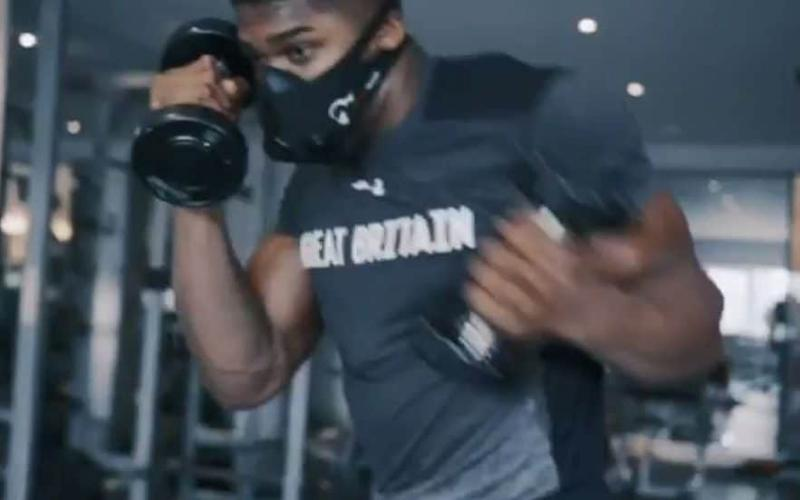 An elevation mask makes a normal workout much, much tougher - as Anthony Joshua demonstrates in this video posted to his social media ahead of the fight with Klitschko - Credit: @anthony_joshua/Instagram