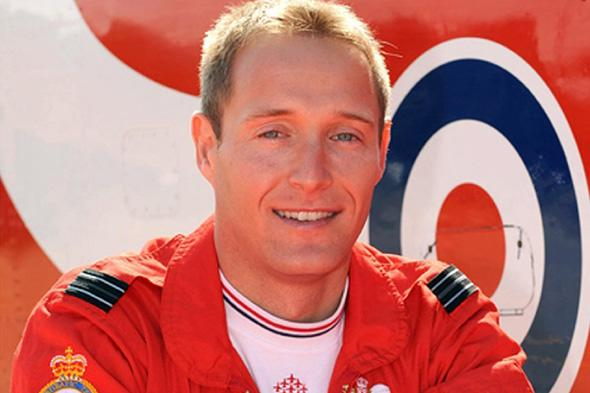 Red Arrows pilot Sean Cunningham died due to 'communication failures'