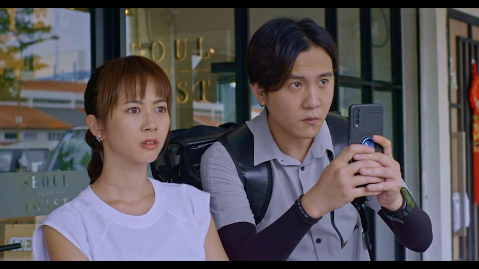 Bonnie Loo and Ian Fang in Channel 8 drama The Heartland Hero. (Photo: Mediacorp)