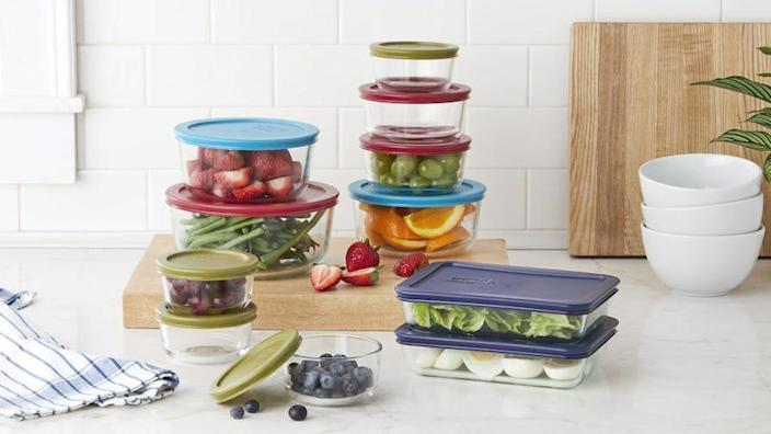 Save on this high-quality Pyrex set.