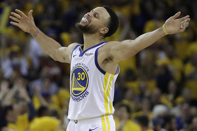 b499b2af864 NBA Star Stephen Curry s History of Under Armour Basketball Shoes on the  Court