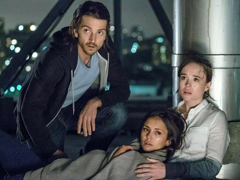 "Diego Luna (v.l.), Nina Dobrev und Ellen Page spielen im Remake von ""Flatliners"" die Hauptrollen. (Bild: TVNOW / 2017 Columbia Pictures Industries, Inc. and Cross Creek Pictures, LLC.)"