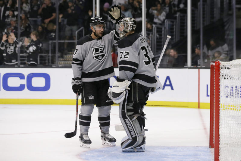 Carter helps Kings beat Flames 4-1 to snap 3-game skid