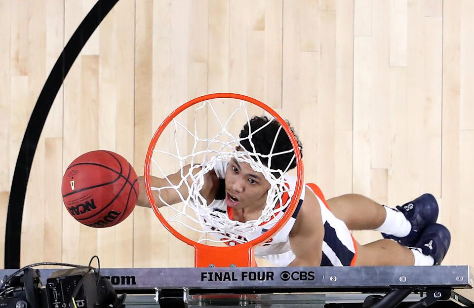 Kihei Clark #0 of the Virginia Cavaliers shoots the ball in the first half against the Auburn Tigers during the 2019 NCAA Final Four semifinal at U.S. Bank Stadium on April 6, 2019 in Minneapolis, Minnesota. (Photo by Streeter Lecka/Getty Images)