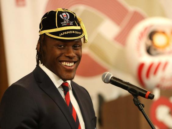 Maro Itoje collects his 2019 Rugby World Cup cap at England's official welcoming ceremony (Getty)