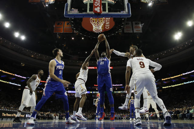 "<a class=""link rapid-noclick-resp"" href=""/nba/players/5294/"" data-ylk=""slk:Joel Embiid"">Joel Embiid</a>'s huge start and other takeaways from the first quarter of the fantasy hoops year (AP Photo)"