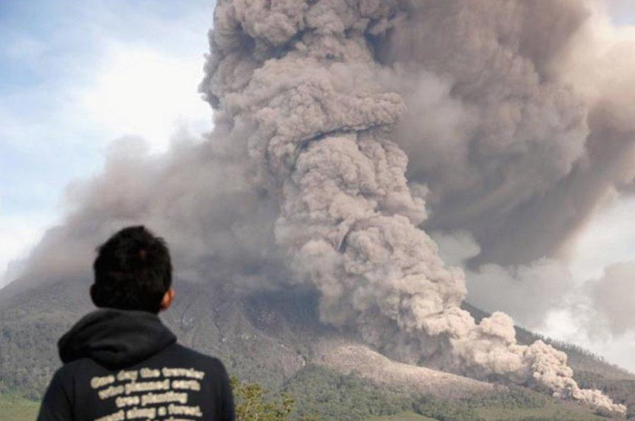 <p>The National Disaster Management Agency is calling for the public to send donations to the area, and local halls have been warned that they may have to become evacuation camps if more people need shelter than currently thought. (AP) </p>