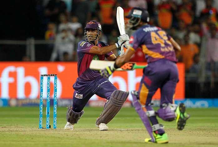 IPL 10: Vintage MS Dhoni powers Pune to 6 wkt win over Hyderabad