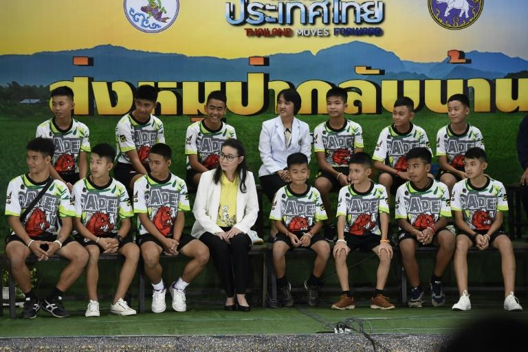 Thai boys mourn navy SEAL who died during cave rescue operation