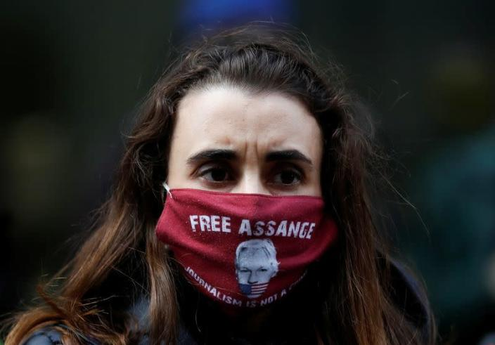 London extradition hearing for Julian Assange continues