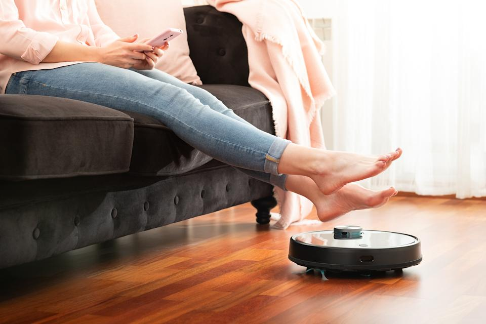 An affordable robot vacuum is taking over Amazon's Movers & Shakers list. (Image via Getty Images)