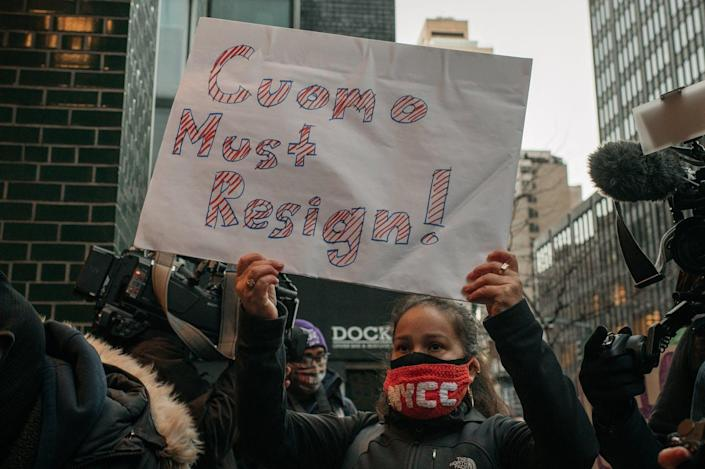 """<span class=""""caption"""">New York Gov. Andrew Cuomo stubbornly fought sexual harassment charges, as many executives do in business.</span> <span class=""""attribution""""><a class=""""link rapid-noclick-resp"""" href=""""https://www.gettyimages.com/detail/news-photo/demonstrators-call-on-new-york-gov-andrew-cuomo-to-resign-news-photo/1231480530?adppopup=true"""" rel=""""nofollow noopener"""" target=""""_blank"""" data-ylk=""""slk:Scott Heins/Getty Images"""">Scott Heins/Getty Images</a></span>"""