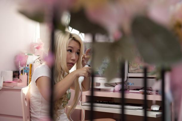 Xiaxue tells Yahoo! Singapore what being a full-time blogger is like. (Yahoo! photo/Alan Lim)
