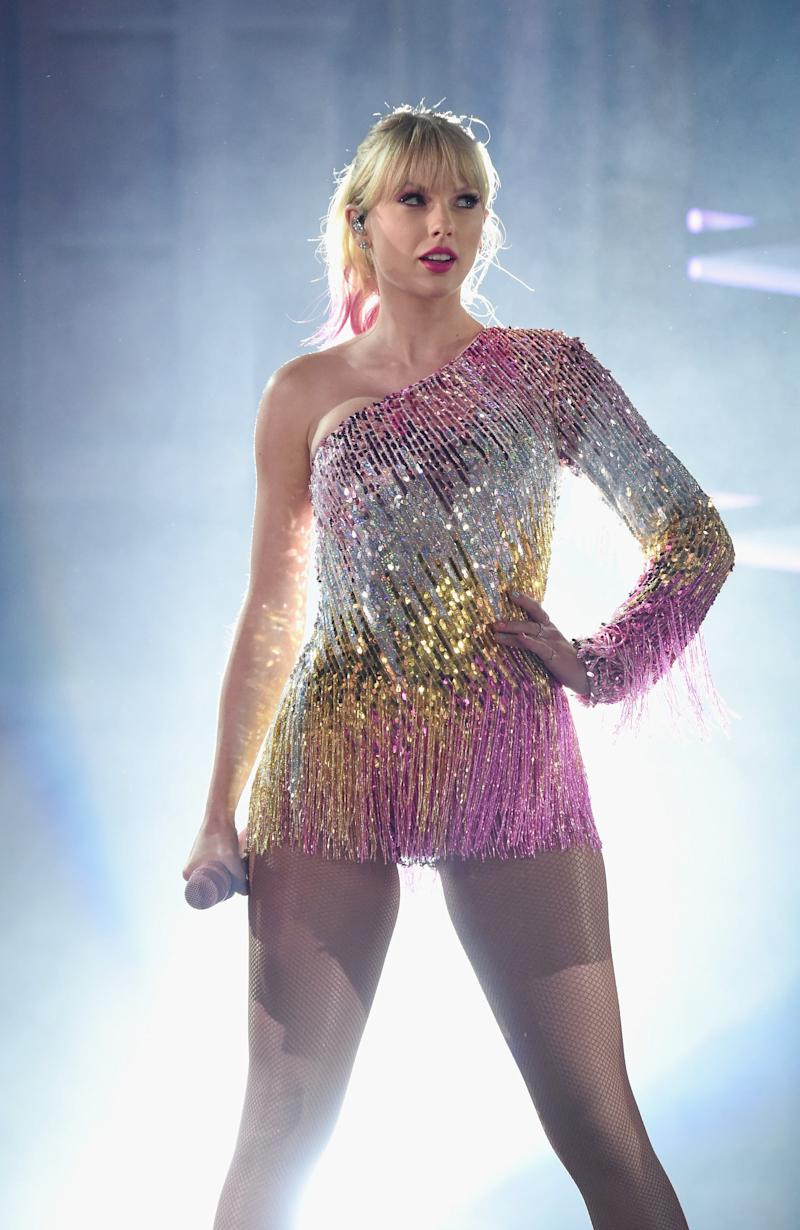 LAS VEGAS, NV - MAY 01: Taylor Swift performs onstage during the 2019 Billboard Music Awards at MGM Grand Garden Arena on May 1, 2019 in Las Vegas, Nevada. (Photo by Kevin Mazur/Getty Images for dcp)