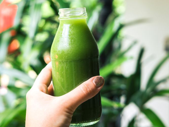 more photos 33ef1 e1a37 If your Instagram feed has gotten a whole lot greener as of late thanks to  endless photos of celery juice, New York nutritionist Dr. Charles Passler  ...